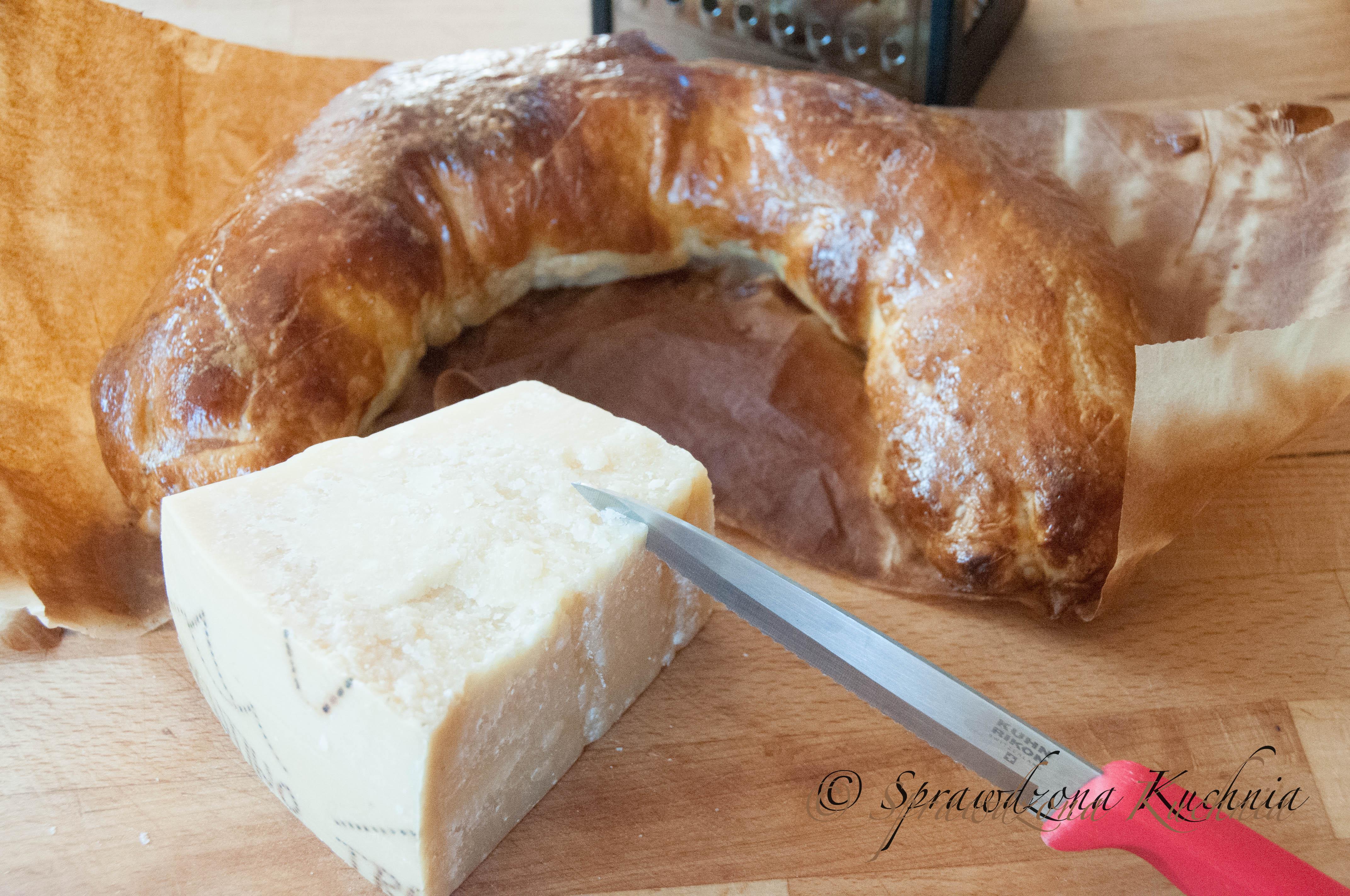 Ciasto francuskie - rolada szpinakowo-serowa