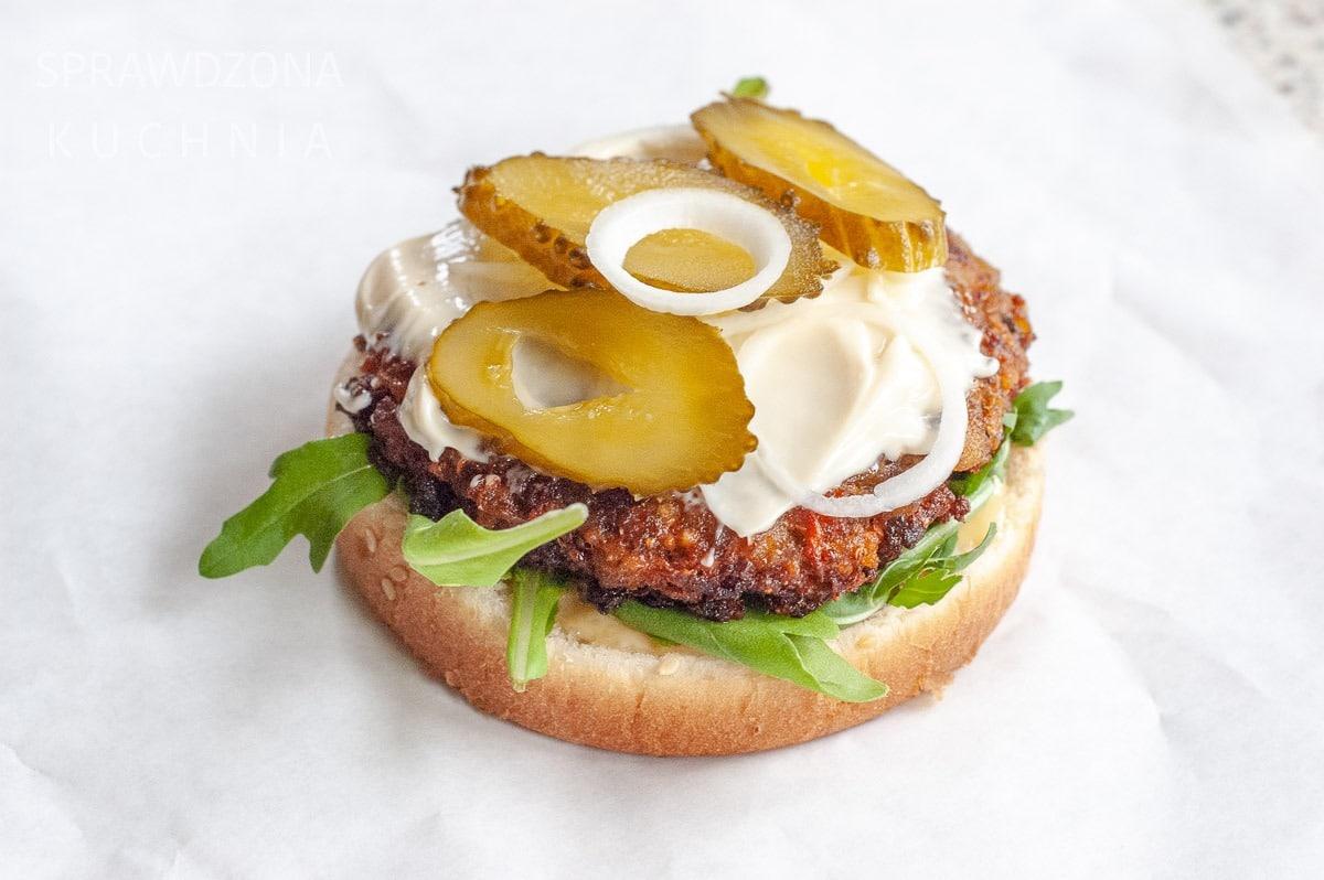 wegetarianski burger