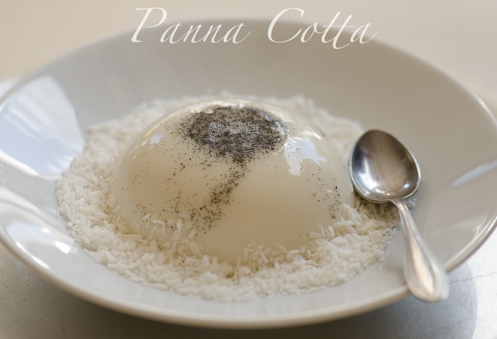 Panna cotta kokosowa z biala czekolada