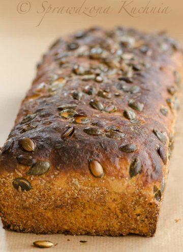 Chleb z prazonymi pestkami dyni