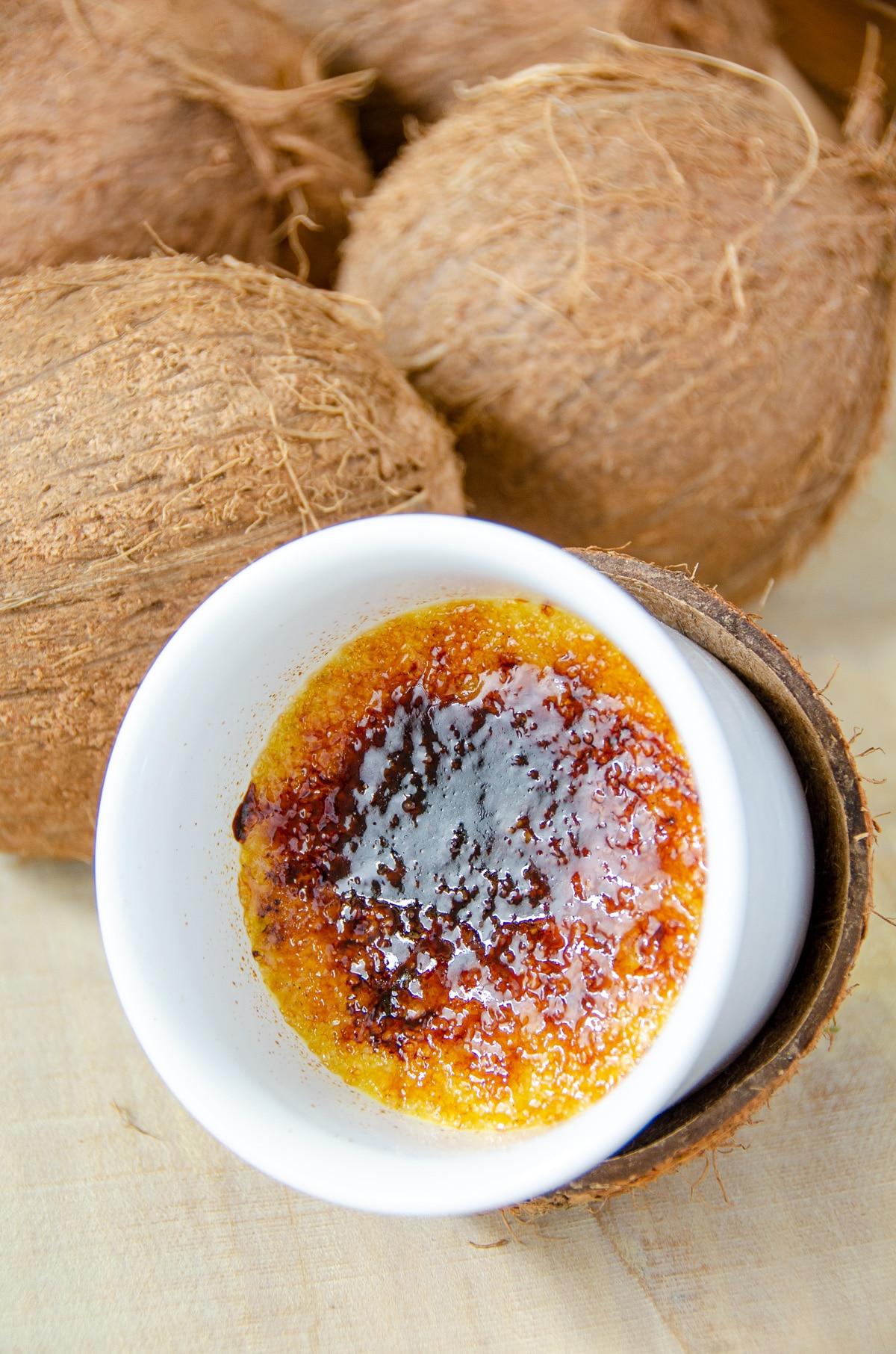 Creme brulee kokosowy z mango