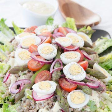 salatka z kaszy i szparagow