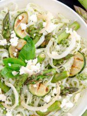 makaron szparagi i pesto