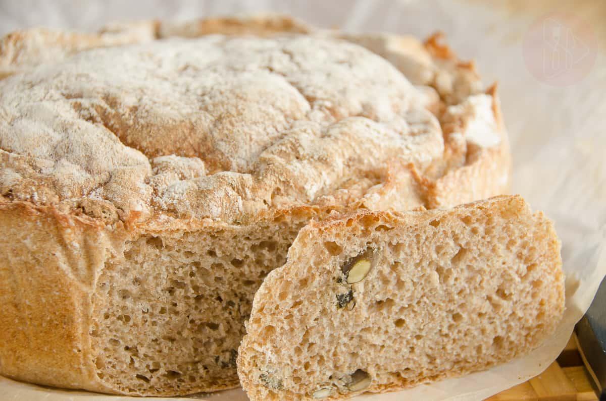 chleb zytni z pestkami dyni