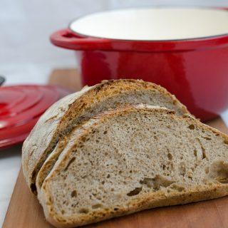 Chleb wiejski z otrębami