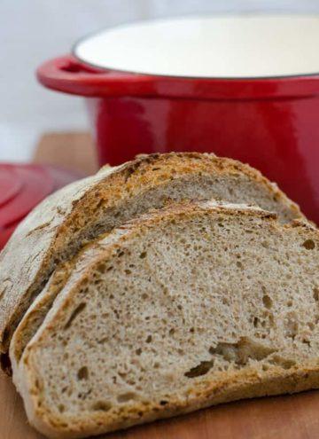 Chleb wiejski z otrebami