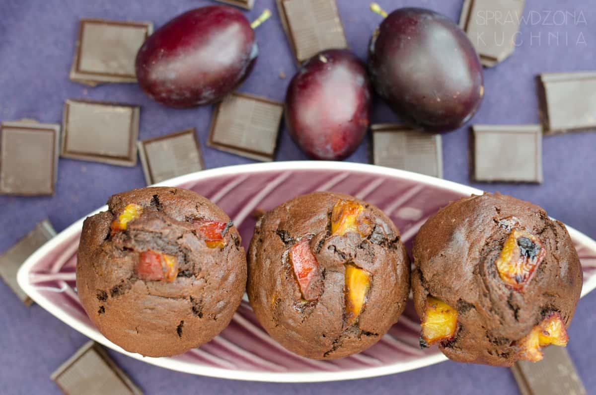 Muffinki czekoladowe ze sliwkami