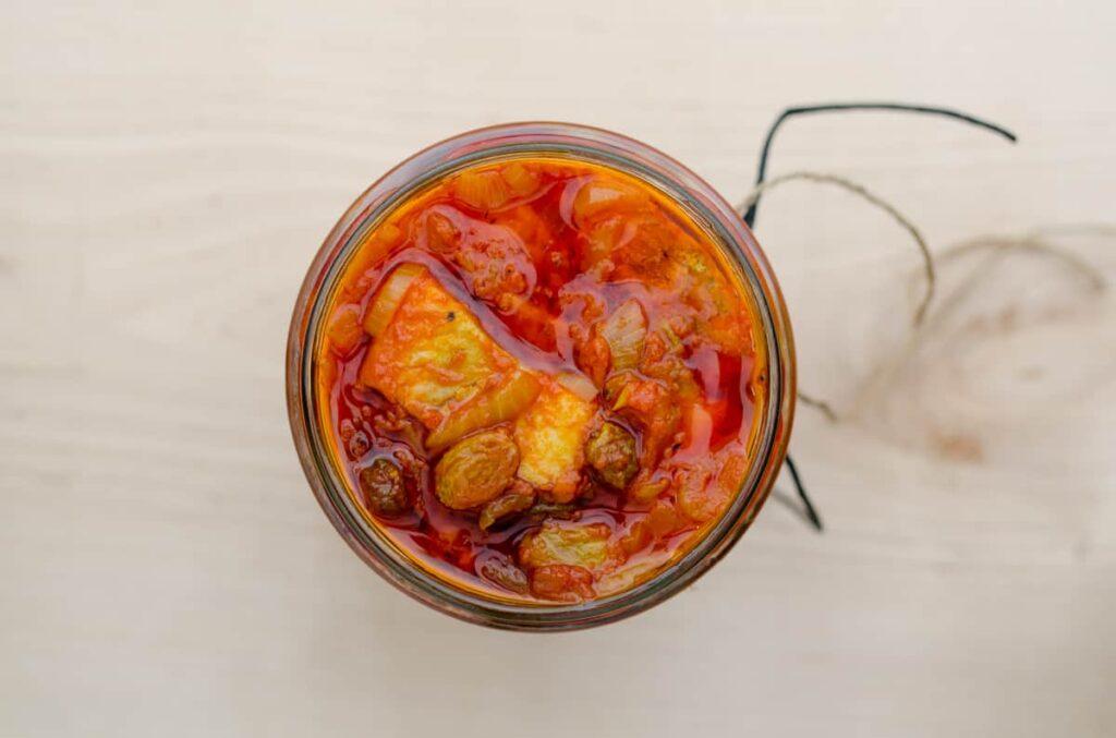 sledzie w pomidorach
