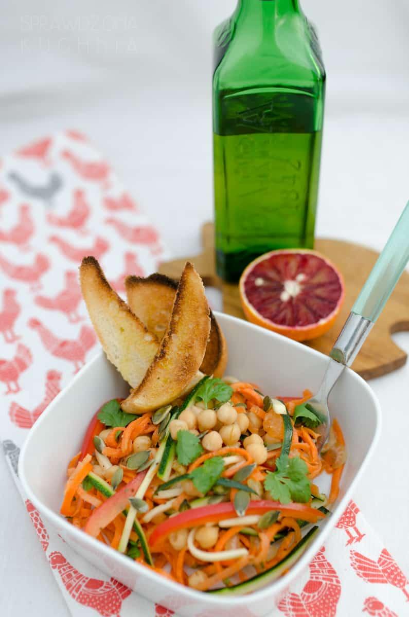 salatka z ciecierzyca