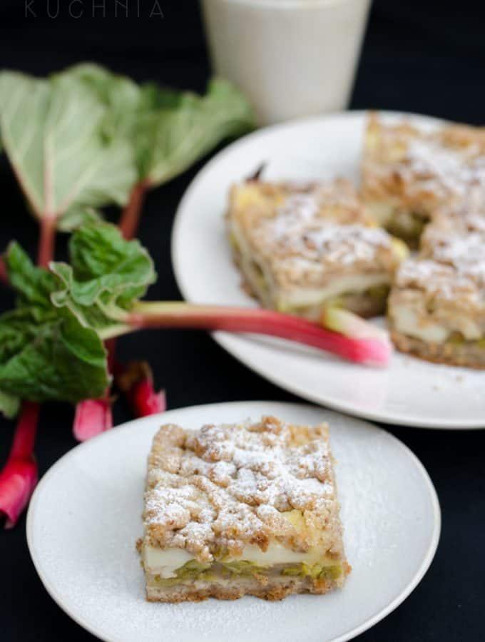 kruche ciasto budyniowo-rabarbarowe