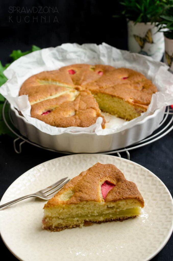 lekkie ciasto rabarbarowe
