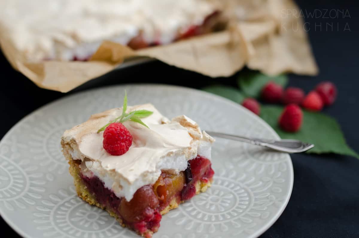 kruche ciasto ze sliwkami i beza