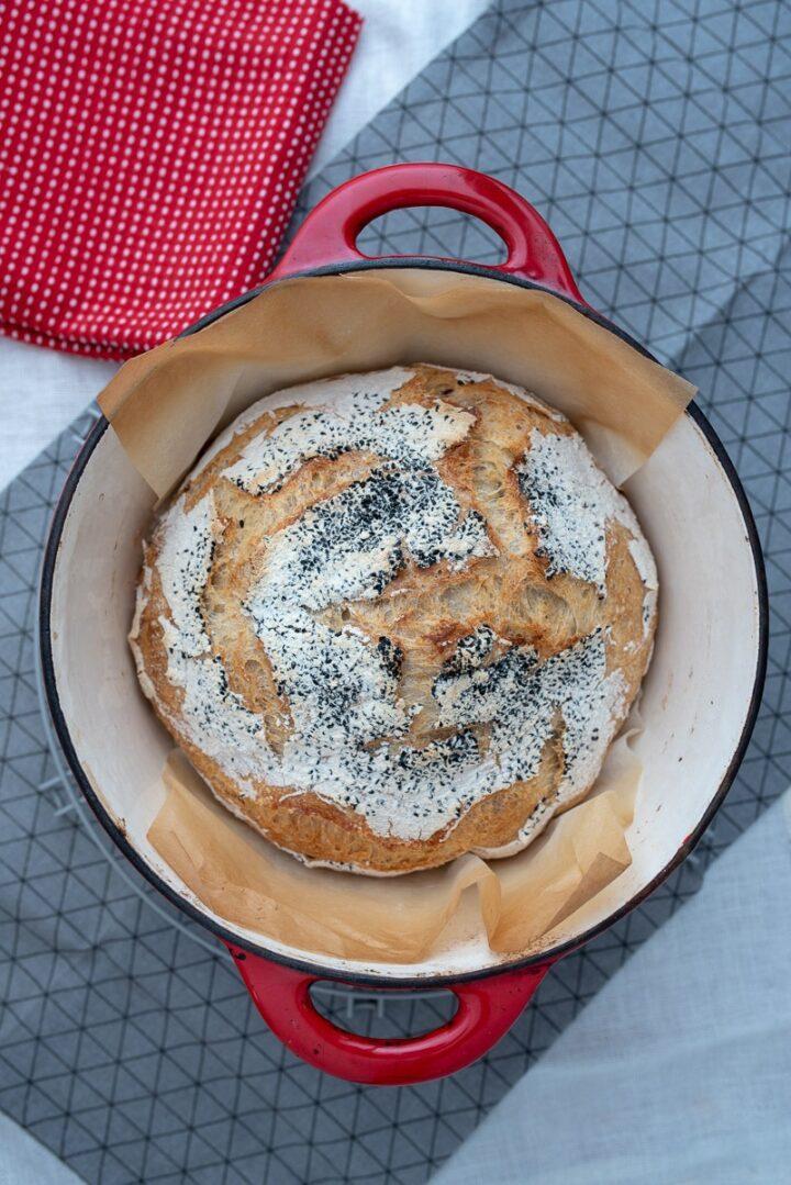 chleb pszenny z czarnuszka