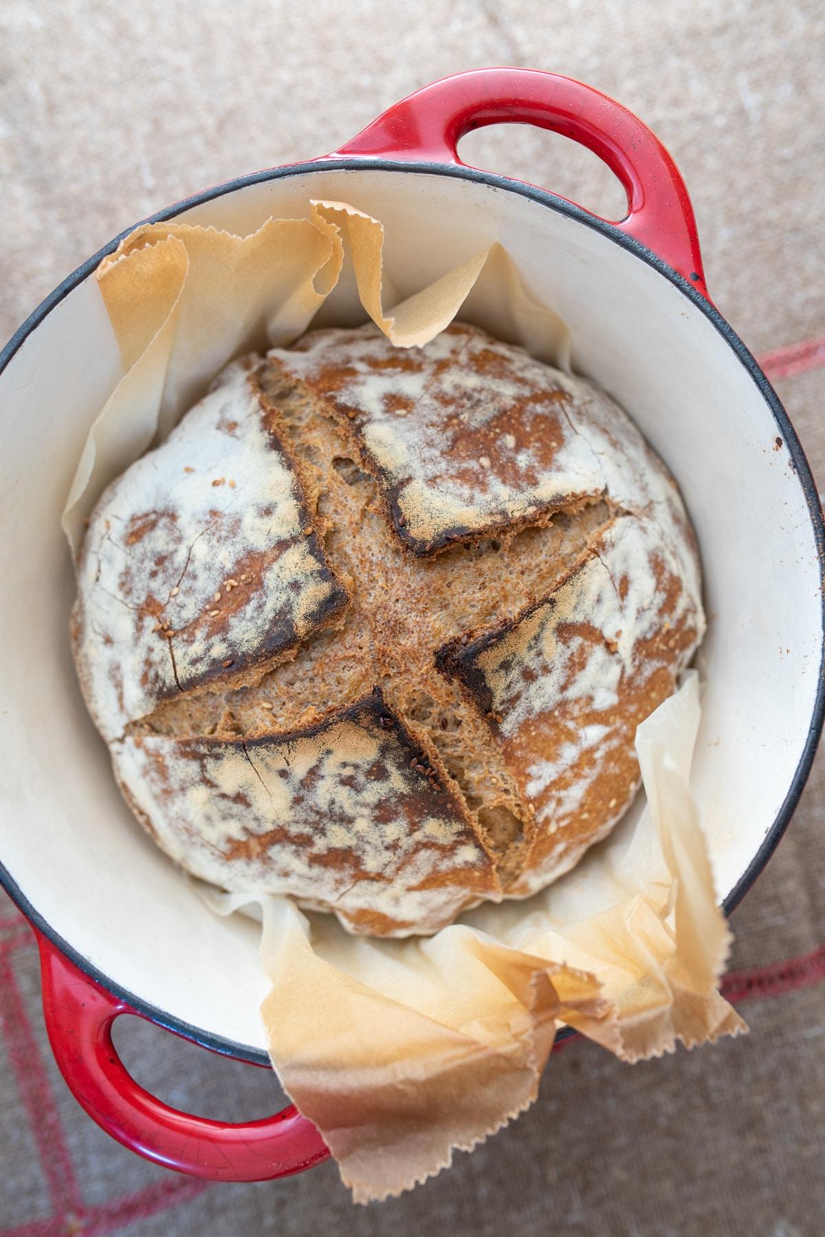 orkiszowy chleb z garnka